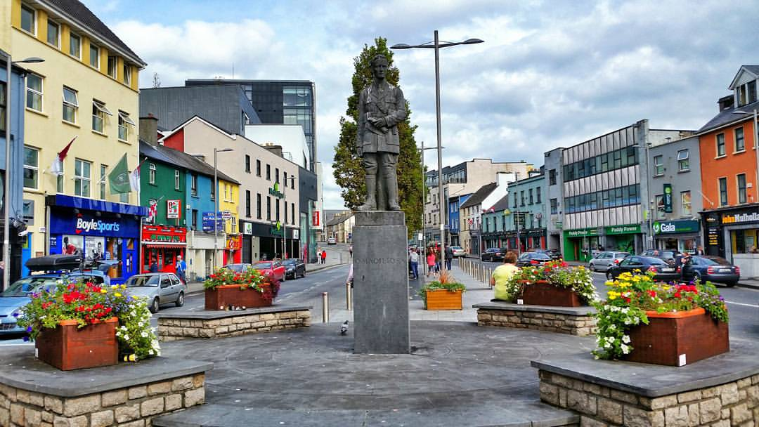 Liam Mellows Statue at Eyre Square - Visit Galway