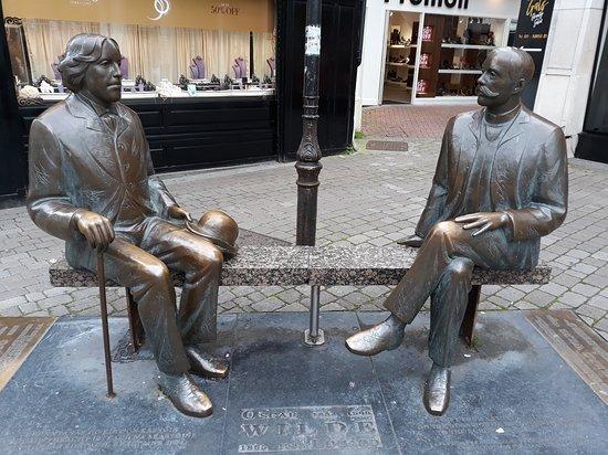 Oscar Wilde and Eduard Vilde Statues Shop Street Galway - Visit Galway