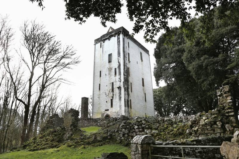 Ardamullivan Castle in Galway - Visit Galway