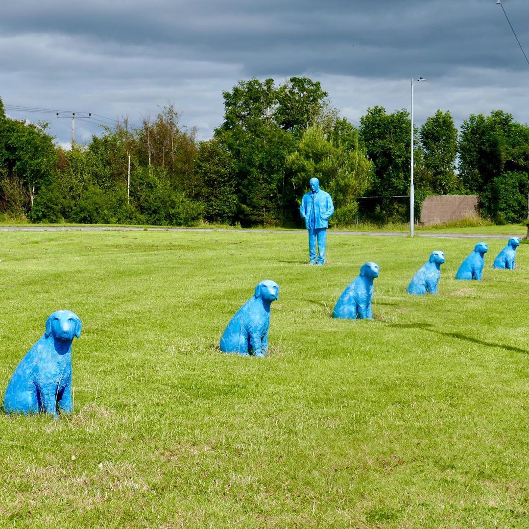 Blue Man and His Dogs Doughiska - Visit Galway