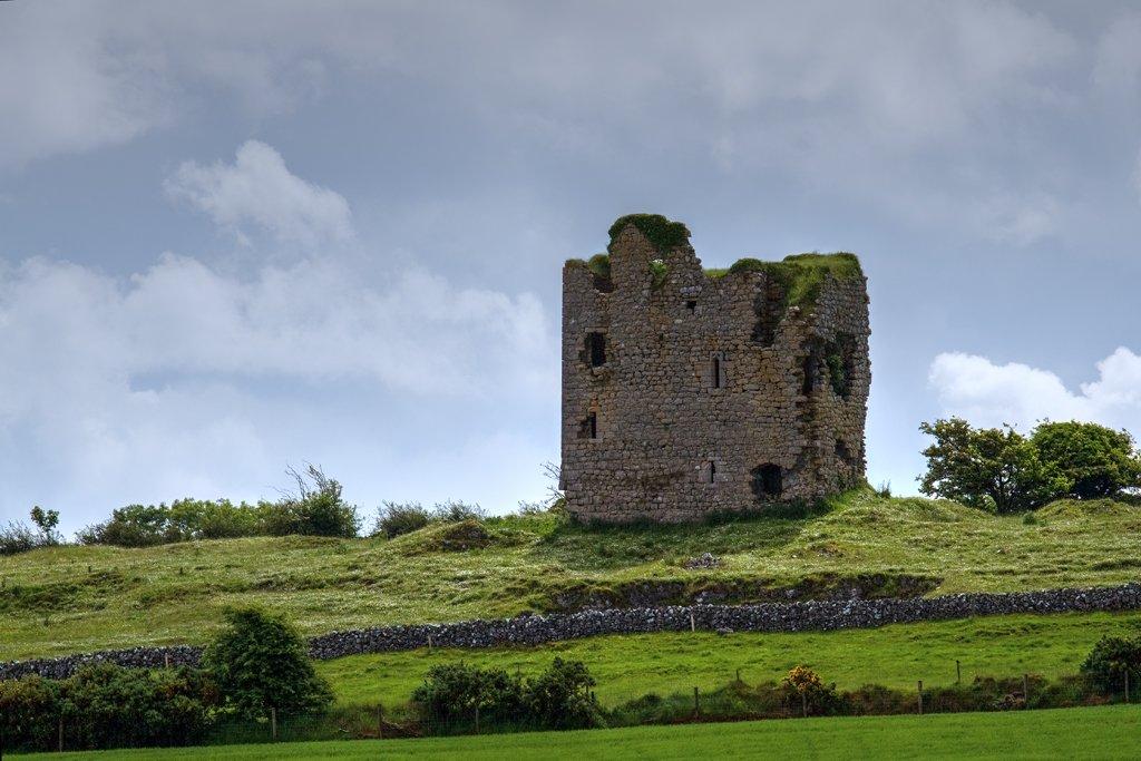 Cashlaundarragh Castle - Visit Galway