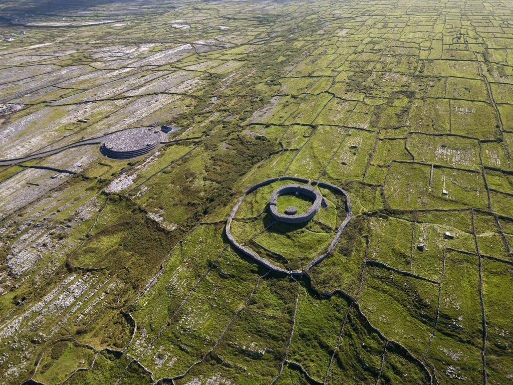 Dún Eochla Aerial Pic - Visit Galway