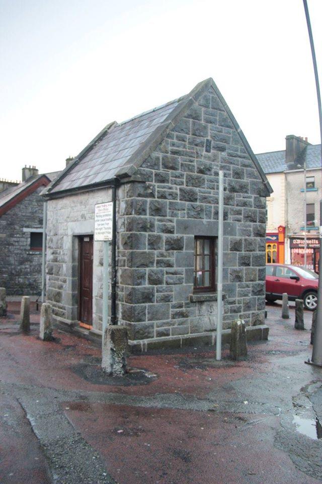 Gort Crane House in Gort - Visit Galway