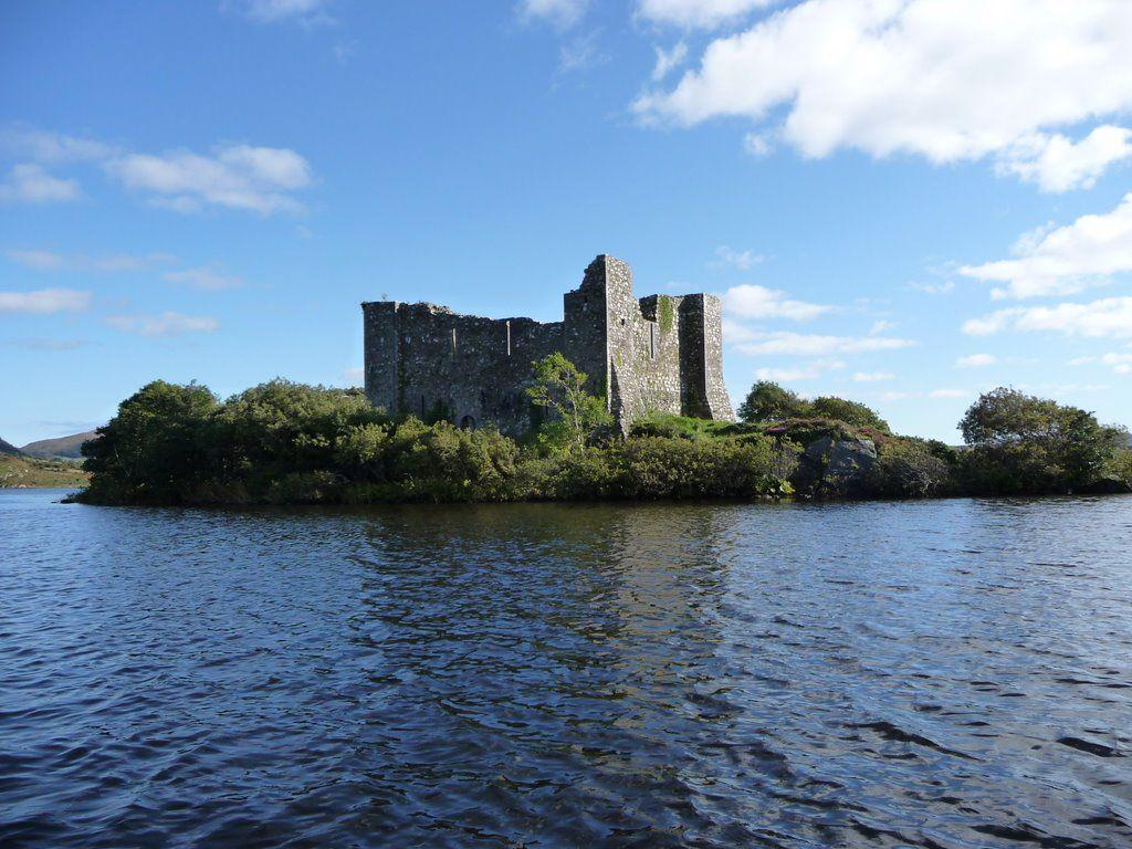 Hen's Castle Lake Castle - Visit Galway
