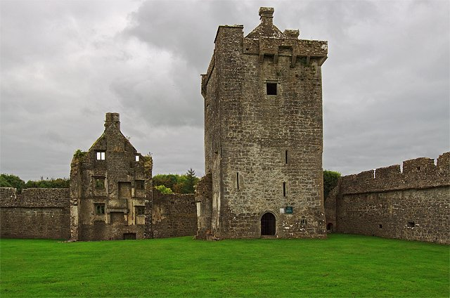 Pallas Castle Ruins - Visit Galway