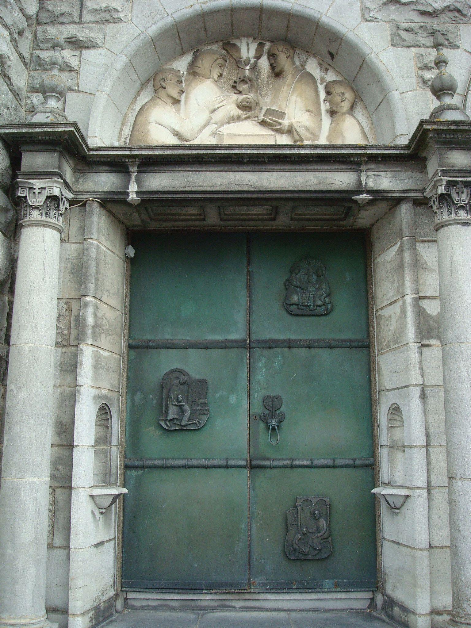 Sculptures at Galway Cathedral Door - Visit Galway