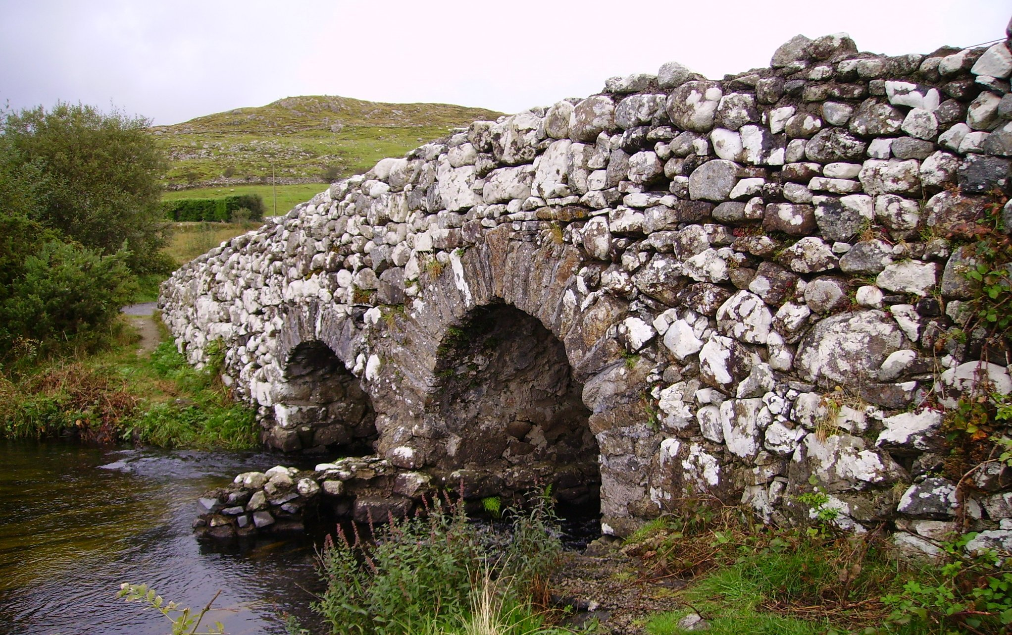 The Quiet Man Bridge in Connemara - Visit Galway