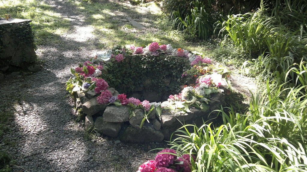 Tobar Éanna Holy Well - Visit Galway