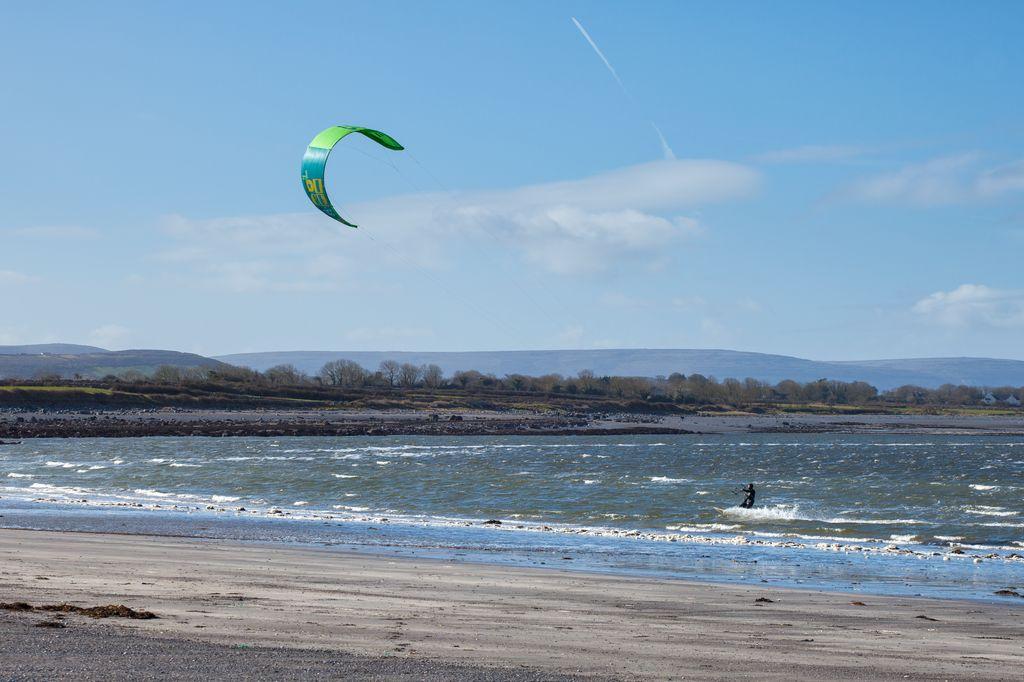Traught Beach Kitsurfing - Visit Galway